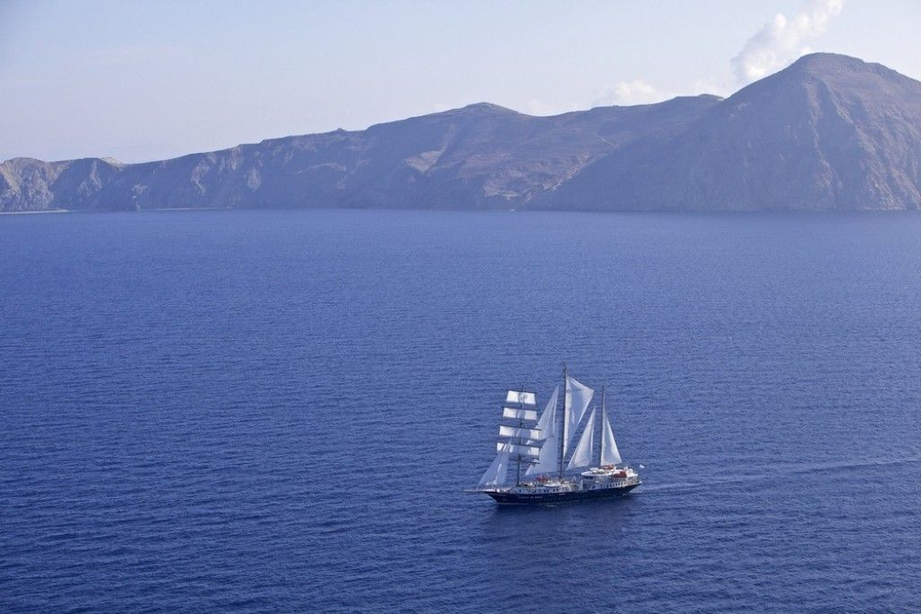 Ocean Kayak For Sale >> Luxury sailing ship Running on the Waves